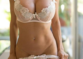 Alexis Fawx sexy milf