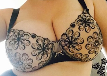Alexsis Faye Candid Tits