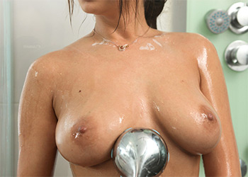 Alyssia Kent shower seduction nf busty
