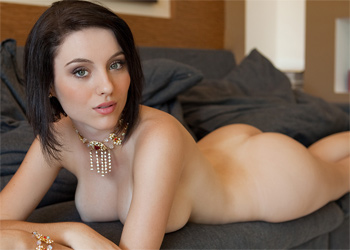 Ana Karoline Couch