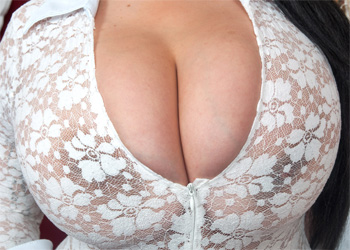 Anastasia Lux Lace Curves