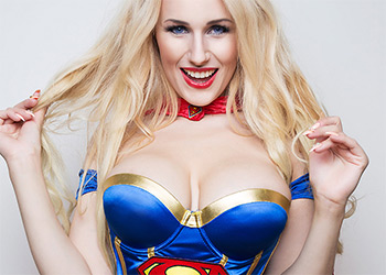 Angel Wicky supergirl cosplay