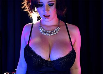 Anna Blaze blazing hot tits