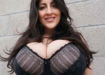Antonella Kahllo Rooftop Tits