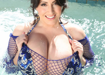 Antonella Kahllo Jacuzzi Boobs Pinup