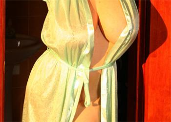 Anya Zenkova nude bath