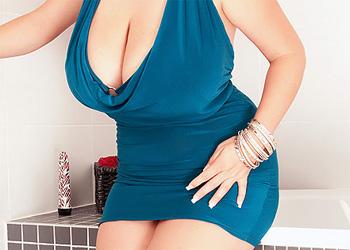 Arianna Sinn Stripping