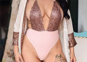Ashleigh Gee bodysuit nudes