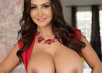 Ava Addams sucking the sitter brazzers