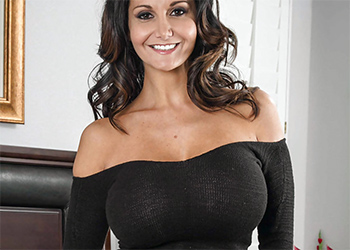 Ava Addams Super Busty Naughty America