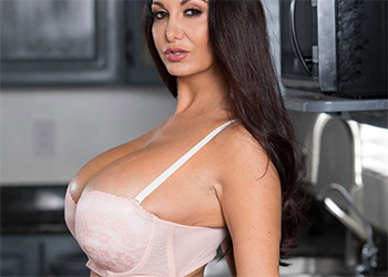 Ava Addams one strict mama brazzers