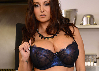 Ava Addams the fucking food inspector brazzers