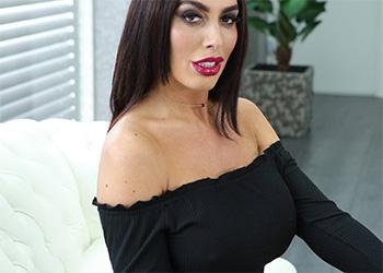 Ava Koxxx milky tits