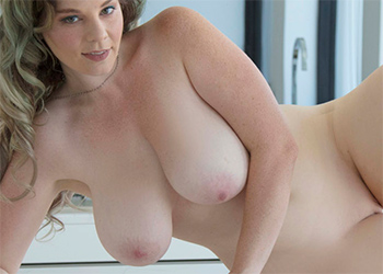 Avalon Kitchen Curves Nude Muse