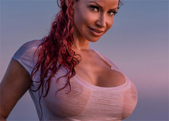 Bianca Beauchamp Busty Splash