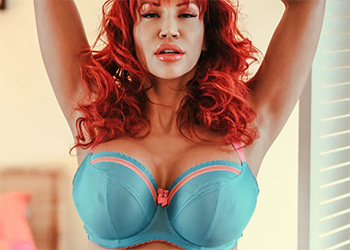 Bianca Beauchamp bedroom invitation