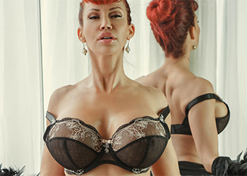 Bianca Beauchamp double love
