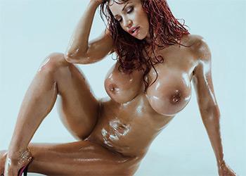 Bianca Beauchamp gleaming curves