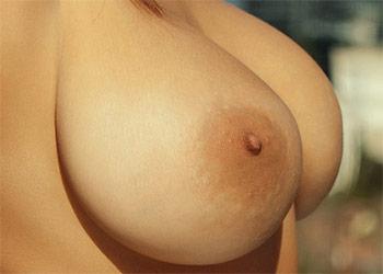 Bilyana busty babe