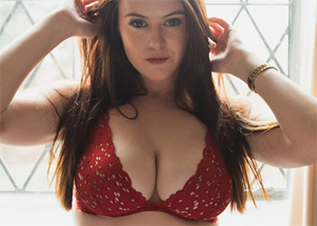 Brookie Little red lingerie