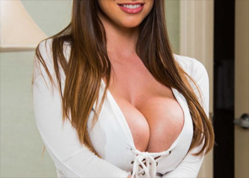 Brooklyn Chase MilfVR