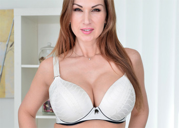 Carol Goldernova Plays With Herself
