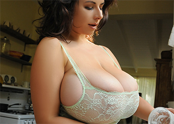 Chloe Vevrier Dishes and Boobs