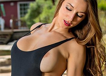 Courtney Shane Busty Bikini Model