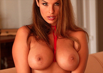 Dana Madero busty babe
