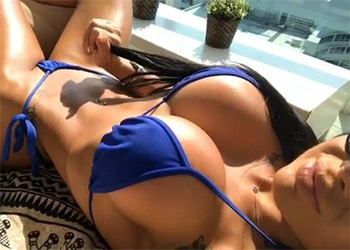 Danna Bruna owns IG