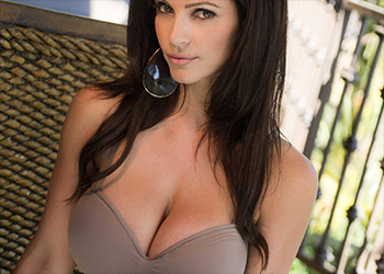 Denise Milani hot chick