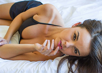 Dillion Harper bedroom