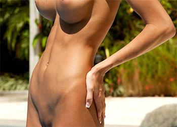Eliza Carson nice body