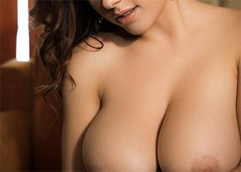 Elizabeth Marxs busty