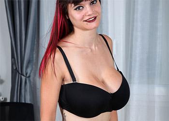 Elodie Love nude pics
