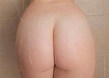 Emmy Sinclair Nude Shower