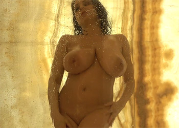 Ewa Sonnet shower vid