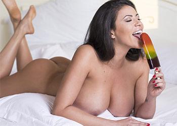 Fabiana Britto sexy lingerie