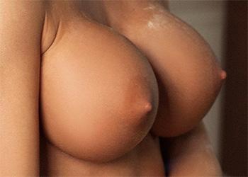 Isabelle kitchen tits