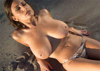 Sensual Jane Beach Beauty