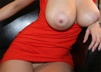 Jazmyn Red Dress Curves