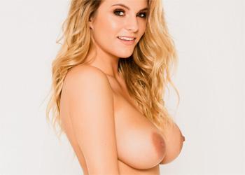Jess K Bikini Babe