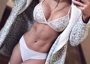 Julia Giles Sexy Model
