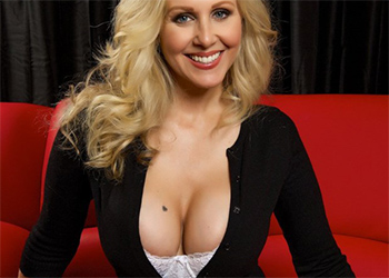 Julia Ann Looks So Fuckable