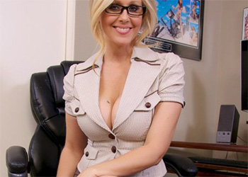 Julia Ann secretary blowjob