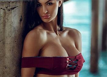 Katelyn Runck sexy