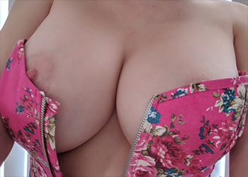 Kayla Kiss pink corset