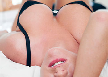 Kella Dawn cleavage