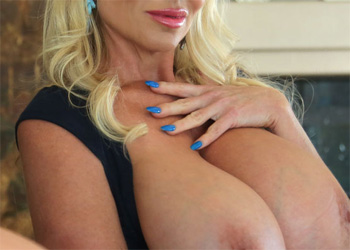 Kelly Madison Luscious Lips