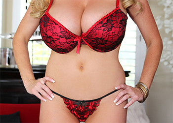 Kelly Madison Red Hot Pinup